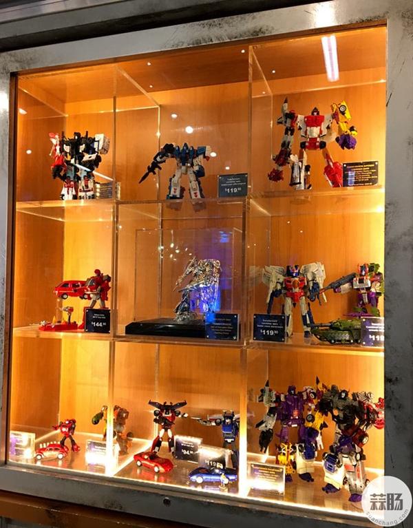 新加坡变形金刚哪里找 环球影城玩具店展示 变形金刚 第5张