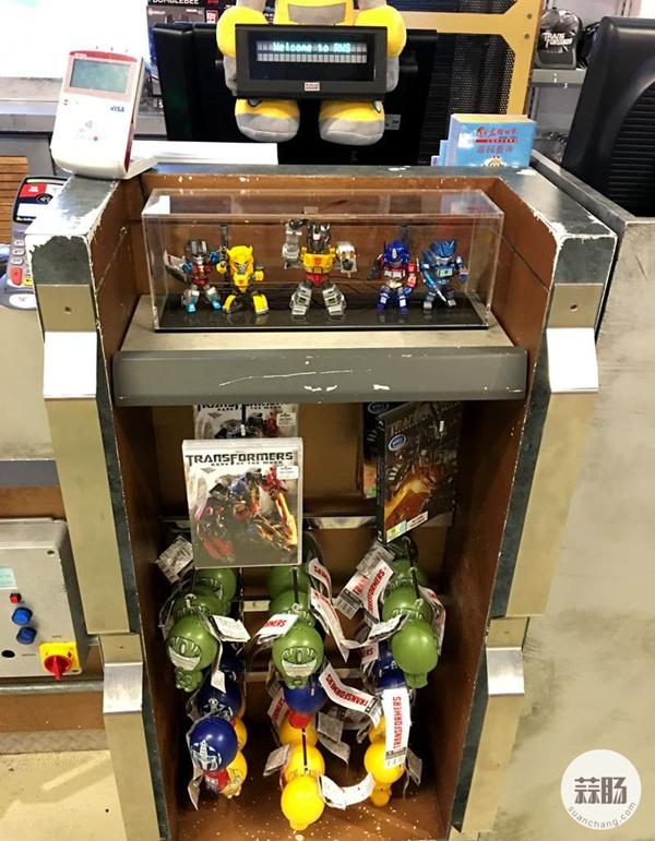 新加坡变形金刚哪里找 环球影城玩具店展示 变形金刚 第13张
