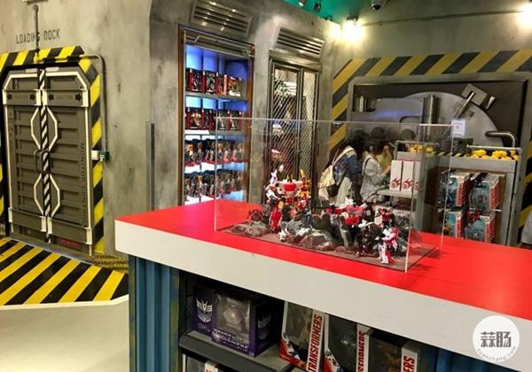 新加坡变形金刚哪里找 环球影城玩具店展示 变形金刚 第19张