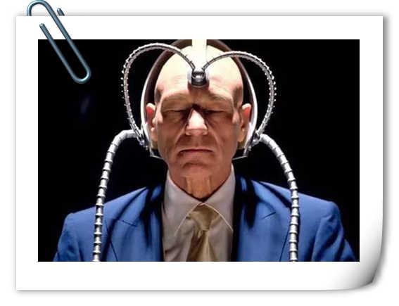 《金刚狼3:殊死一战》签名会上 演员遭自拍杆拍打?
