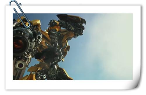 《变形金刚5 》最新中文预告!大黄蜂施展逆天神技断头重组!