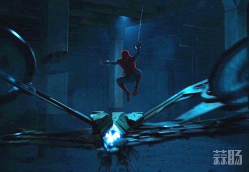 小蜘蛛火中扮酷 《蜘蛛侠:英雄归来》公开IMAX特别版海报! 动漫 第2张