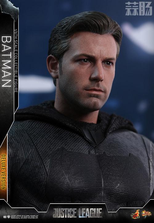《正义联盟》蝙蝠侠1:6比例珍藏人偶 模玩 第12张