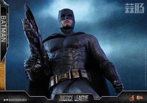 《正义联盟》蝙蝠侠1:6比例珍藏人偶 模玩 第13张