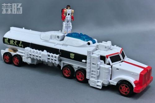 变形金刚x《街头霸王》特别版玩具实物图流出 变形金刚 第6张