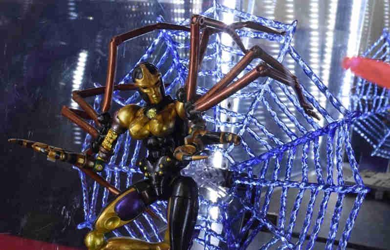 变形金刚大师系列MP-46野兽战争毒蜘蛛售价在900元左右