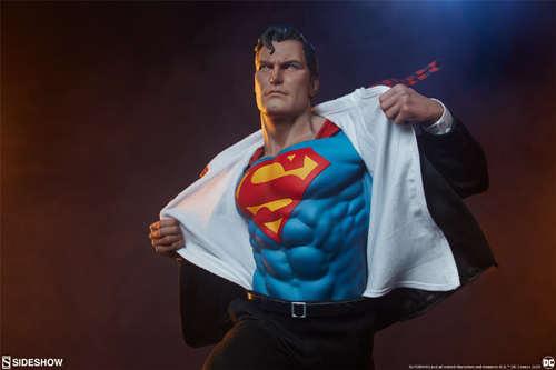 Sideshow公布漫画版超人克拉克雕像