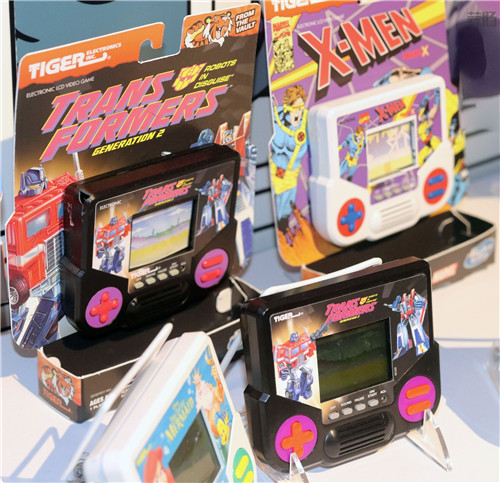 孩之宝宣布推出经典Tiger掌机包含《变形金刚》游戏 变形金刚 第1张