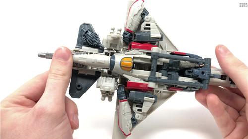 变形金刚工作室系列SS-65闪电实物图公开 并非白头 变形金刚 第5张