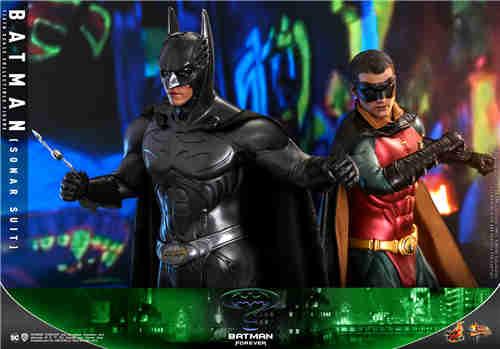 HotToys推出《永远的蝙蝠侠》蝙蝠侠(声纳战衣)和罗宾 1:6比例珍藏人偶